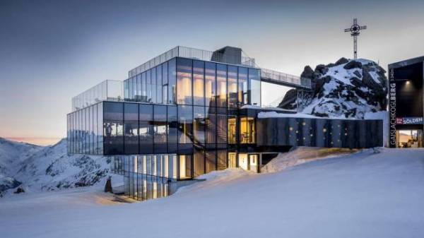 A spectacular location: the ICE Q Restaurant at the Sölden ski resort.